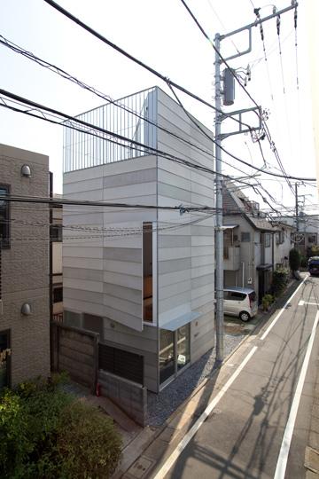 ''לעצב באומץ ובעדינות'', ממליץ האדריכל (צילום: Ken Sasajima)