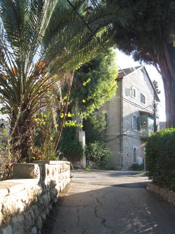 """סוג של חו""""ל ירושלמי. שכונת בקעה (צילום: אריאלה אפללו)"""