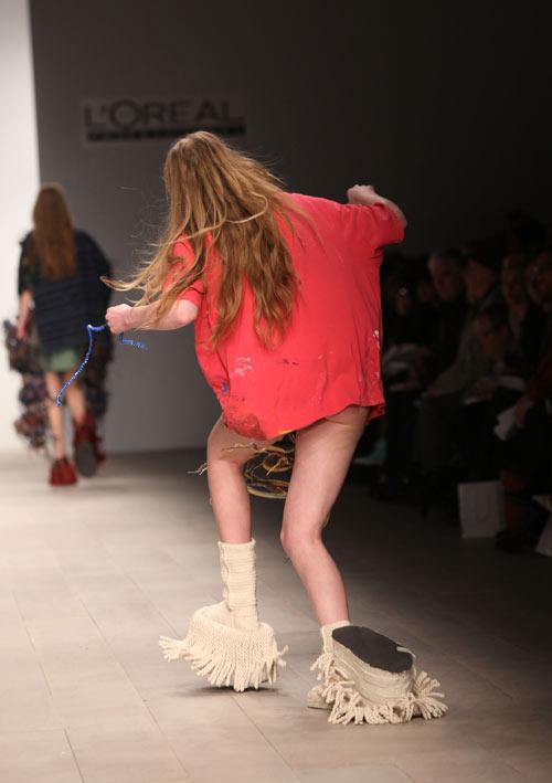 תצוגת האופנה בסנטרל סיינט מרטינ'ס. אאוץ' (צילום: gettyimages)