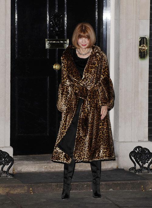 אנה וווינטור מגיעה לקוקטייל בבית ראש הממשלה. לפחות היא החליפה בגדים (צילום: gettyimages)
