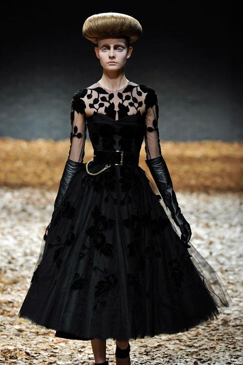 תצוגת האופנה של McQ - אלכסנדר מקווין (צילום: gettyimages)