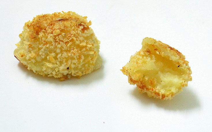 חטיפי תפוחי אדמה וגבינת פרמזן (צילום: חני הראל)