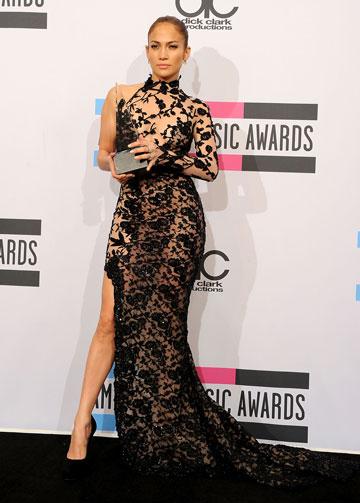 ג'ניפר לופז בשמלה של המעצב זוהיר מוראד (צילום: gettyimages)