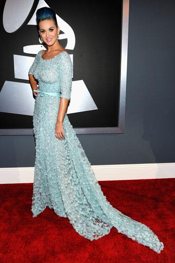 קייטי פרי בשמלה של המעצב אלי סאאב (צילום: gettyimages)