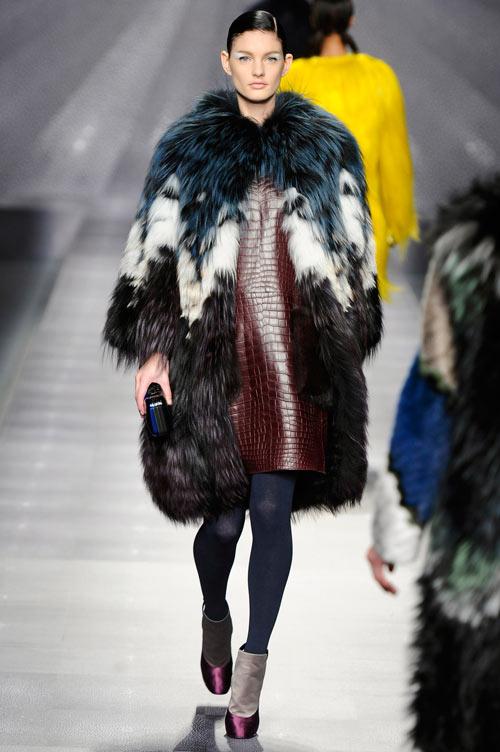 קולקציית החורף של פנדי בשבוע האופנה במילאנו (צילום: gettyimages)