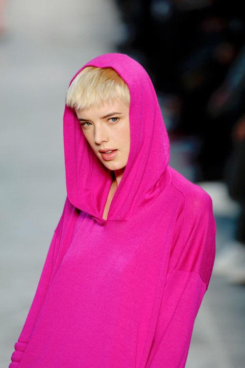 בתצוגת אופנה של סטלה מקרטני, 2007 (צילום: gettyimages)