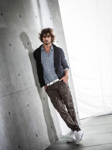 ארמאני ג'ינס. קניינות שמרנית לגברים (צילום: דייב מייסון)