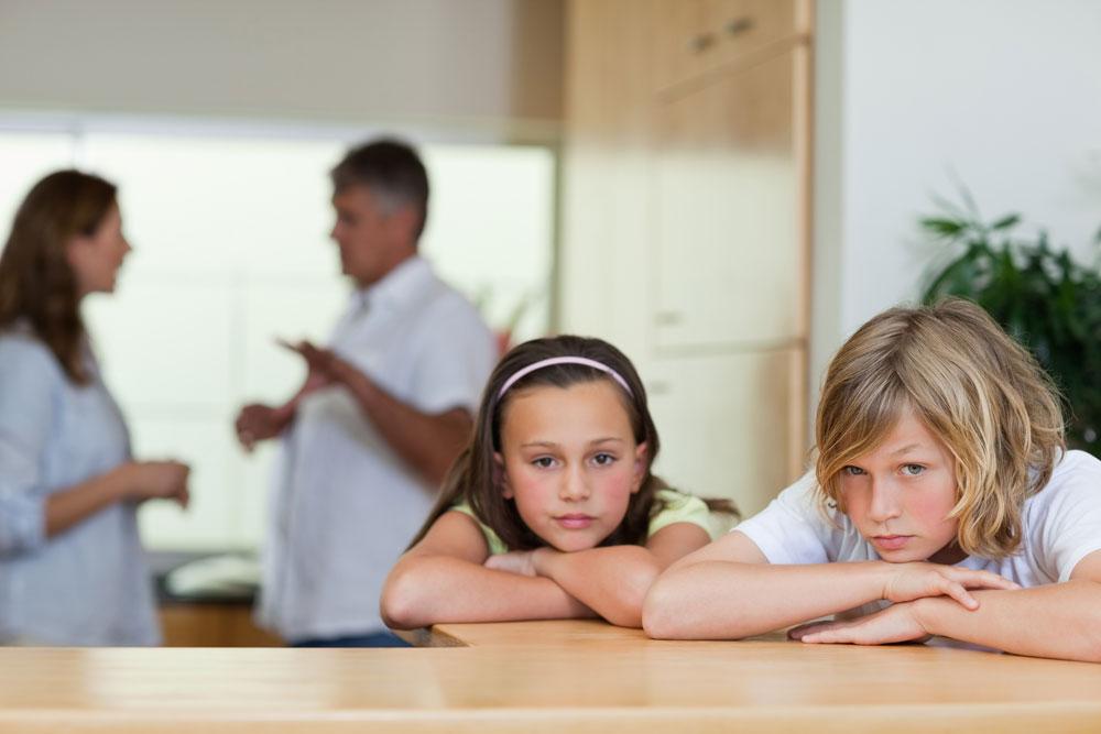 אחת הדאגות המרכזיות לפני גירושים: מה יהיה עם הילדים (צילום: shutterstock)