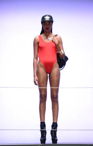 שנות ה-90 חוזרות. הקולקציה של ריהאנה לריבר איילנד (צילום: rexnews/ asap creative )