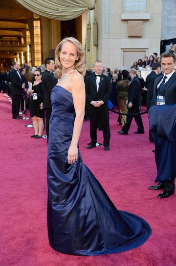 הלן האנט. שמלה גדולה מדי, מקומטת מדי (צילום: gettyimages)