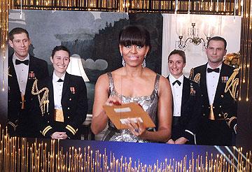 הפתעה! מישל אובמה מגישה פרס בווידאו (צילום: gettyimages)