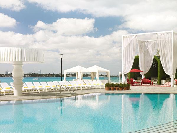 אדום, לבן ומים (צילום: Morgans Hotel Group)