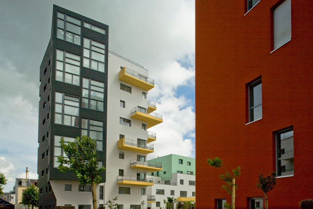 עירוב שימושים של מסחר ומגורים הוא אחד מאבני היסוד של הפרויקט, שאותו מנהלת אנה מי דפאוט בשנים האחרונות (צילום: Emilien Urbano)