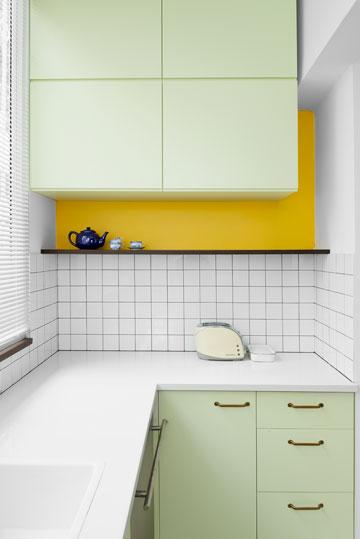 קומפוזציית צבעים במטבח הקטן (צילום: גדעון לוין,181 מעלות )