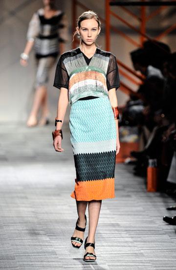 """הפעם בלי תצוגה של בית אופנה מחו""""ל. מתוך התצוגה של מיסוני בשבוע האופנה הקודם בתל אביב (צילום: gettyimages)"""