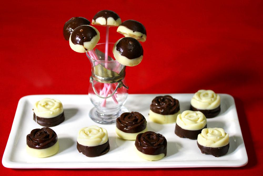 קינוח שוקולד בשני צבעים (צילום: אסנת לסטר)