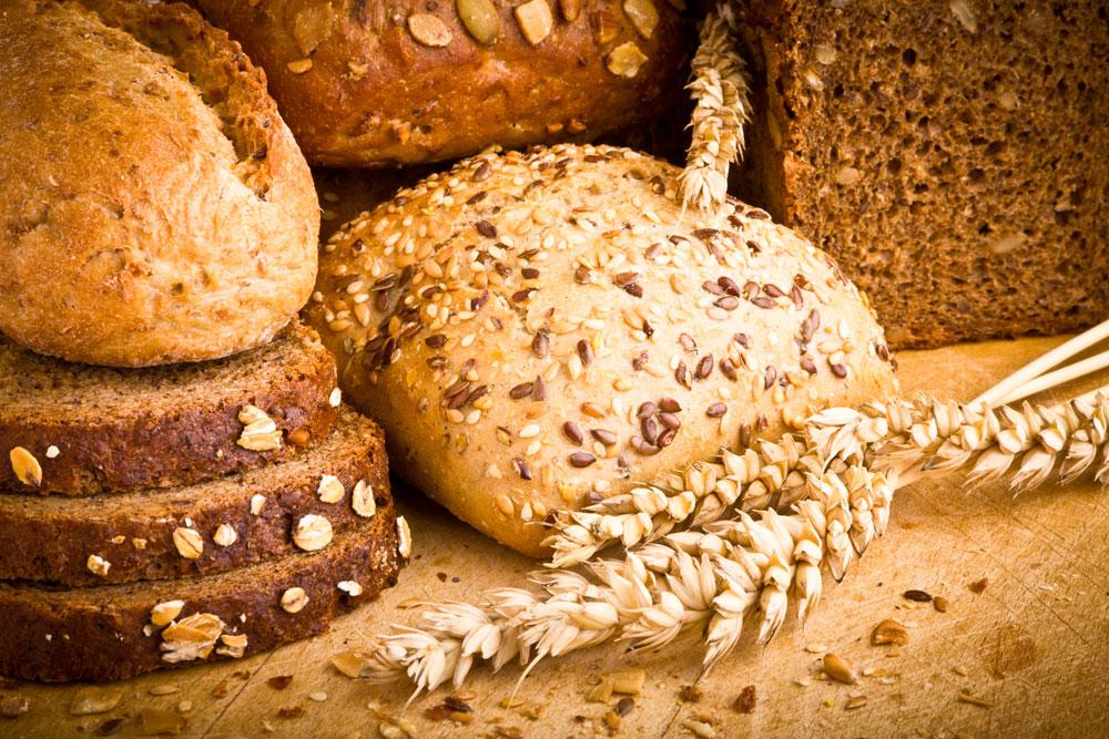"""""""הלחם שאנו אוכלים היום שונה לחלוטין מזה שאכלו אבותינו"""" (צילום: thinkstock)"""