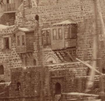 הערבים והטורקים עשו את זה לפנינו, גם הם רצו אוויר ואור בבית. יפו, 1867