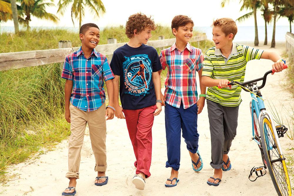 בעונת הסיילים בארצות הברית אפשר לרכוש למעלה מ-20 פריטי לבוש ב-100 דולר