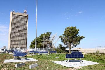 שילוב של פאנלים סולאריים וגגות ירוקים באוניברסיטת חיפה (באדיבות אוניברסיטת חיפה)
