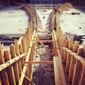 התשתית למפל על הגג של מגדל צ'מפיון בבני ברק (צילום: ת.מ.א.- תכנון מרחב אורבני)
