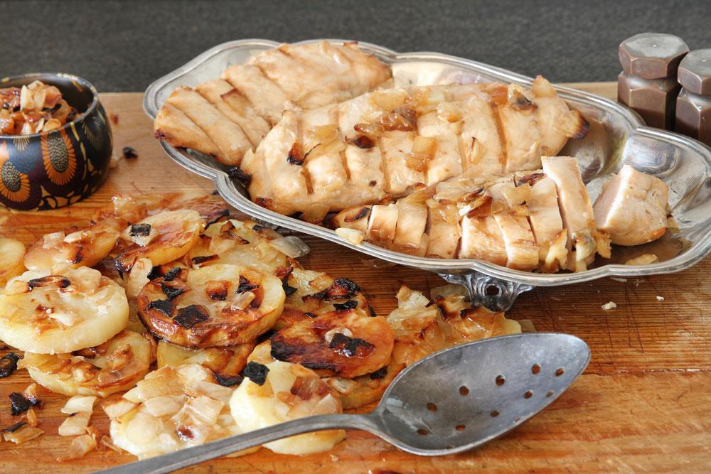 חזה עוף במרינדה עם תפוחי אדמה (צילום: אסנת לסטר)