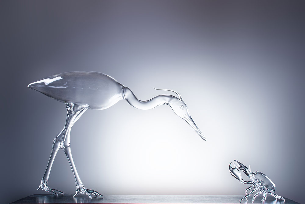 יתרונה הגדול של זכוכית הפיירקס הוא עמידותה הגבוהה בפני שינויי טמפרטורה. חסרונה בנוקשותה, ולכן נדרשת מיומנות גבוהה