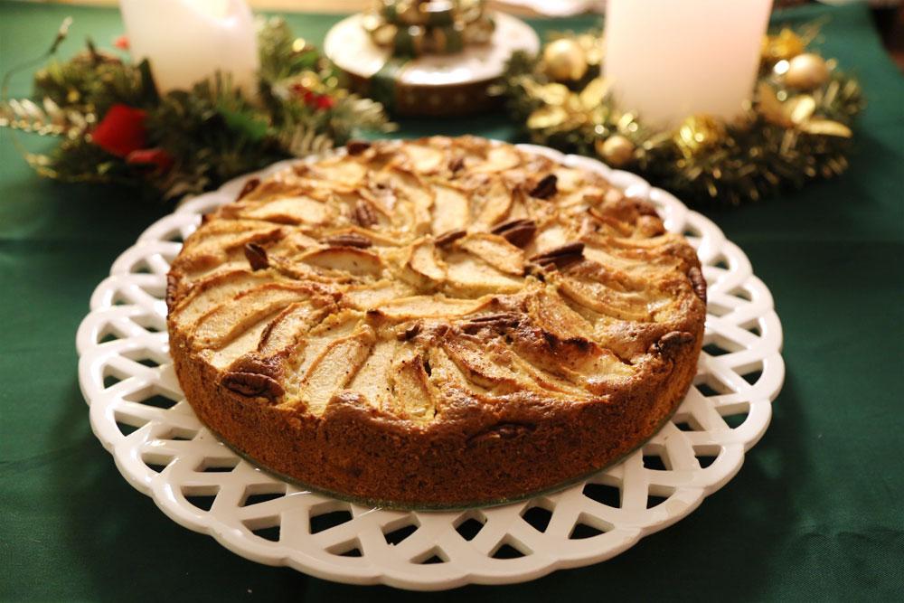 עוגת תפוחים ותבלינים מחממים  (צילום: עודד חוברה )
