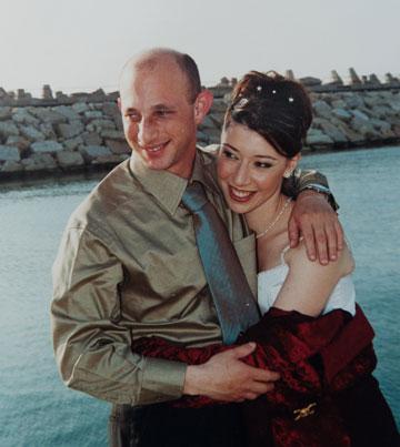 מרינה ודרור ביום חתונתם (מתוך אלבום משפחתי)