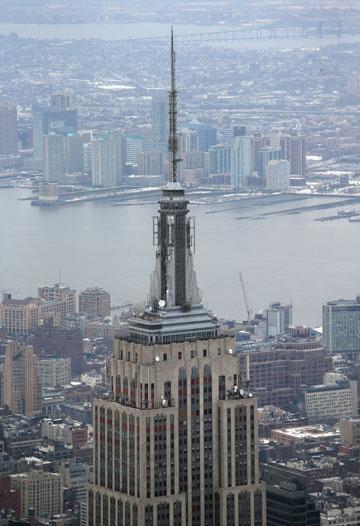 אמפייר סטייט בילדינג בניו יורק. 6,500 חלונות ונורות הוחלפו (צילום: gettyimages)