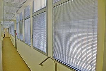 בית הדין הרבני באשקלון הצטייד בחלונות שחוסכים אנרגיה - וכסף (צילום: יפתח הררי אדריכלים – ייעוץ בנייה ירוקה)