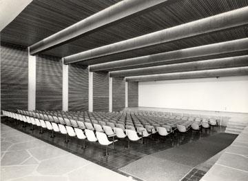 אולם ההרצאות הישן נהרס (באדיבות ארכיון רכטר אדריכלים)