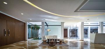 רצפת הטראצו המקורית היא האלמנט העיצובי הבולט ביותר (צילום: איתי סיקולסקי )