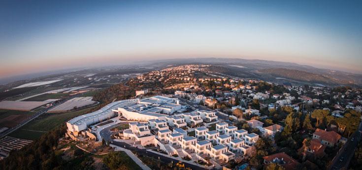 מלון ''אלמא'' במבט מהאוויר (צילום רחפן). אתר התיירות החדש של זכרון יעקב (צילום: איתי סיקולסקי )