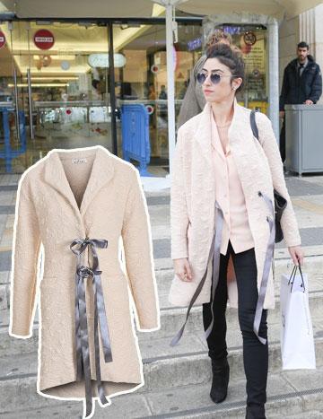 """השחקנית הילה סעדה (""""להיות איתה"""") נצפתה כאן במעיל–חלוק סופר–מגניב של Luminary (מחיר: 660 שקל) (צילום: נועם מושקוביץ, עומר מסינגר)"""