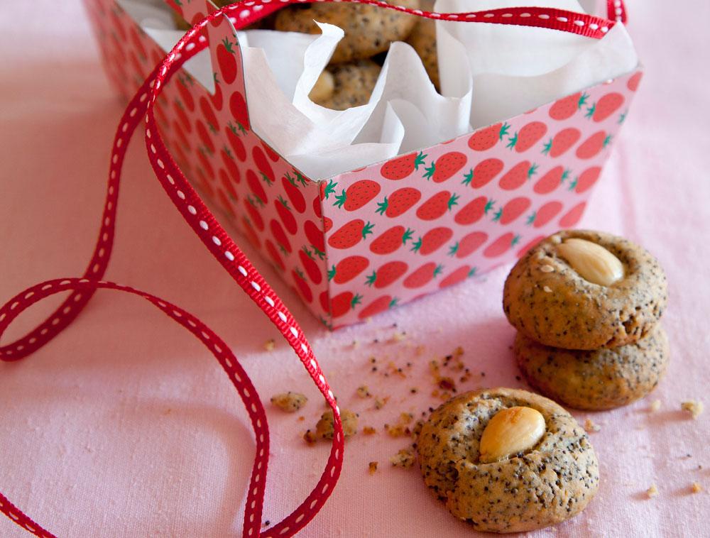 עוגיות פרג טבעוניות ( צילום: יוסי סליס, סגנון: נטשה חיימוביץ')