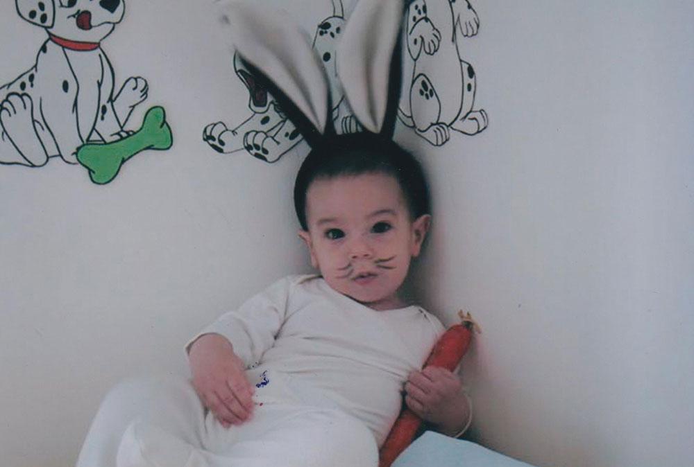 כל כך צעיר וכבר ארנבון. הדור הבא שלי בתחפושת ראשונה