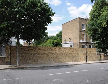 הפך לאטרקציה. הקיר והבית (צילום: David Grandorge)