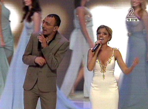 הרימו את הקהל. שירי מימון ושמעון בוסקילה (צילום: ערוץ 2)