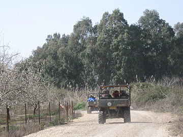 ריינג'רים לאורך הירדן (צילום: אריאלה אפללו)
