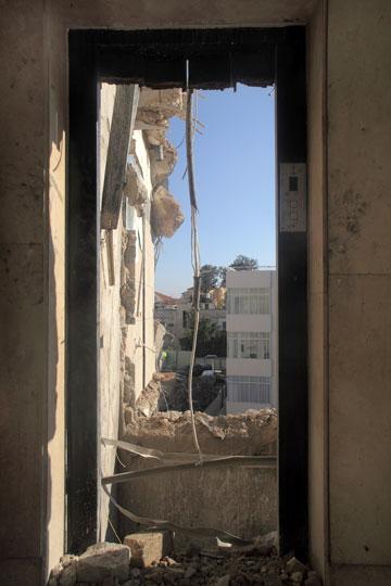 שעות אחרונות של חיים בבניין (צילום: אמית הרמן)