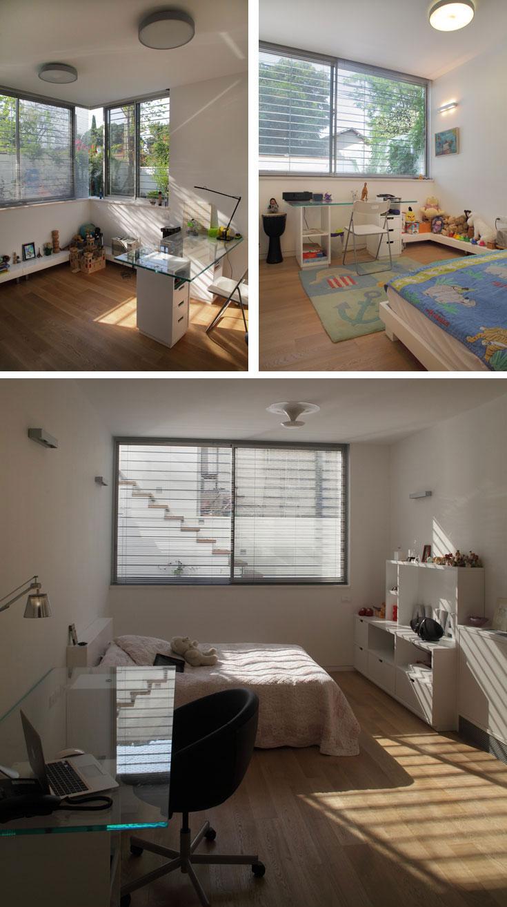 שלושת חדרי הילדים בקומה התחתונה. המגרש המשופע איפשר יציאה לחצר אחורית מחופה דק, שבשוליו דשא ומטפסים (צילום: אמית הרמן)