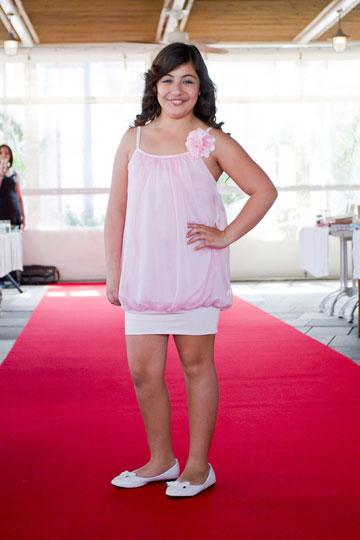 תצוגת אופנה לילדות במידות גדולות של המותג פאפאנש (צילום: לם וליץ)