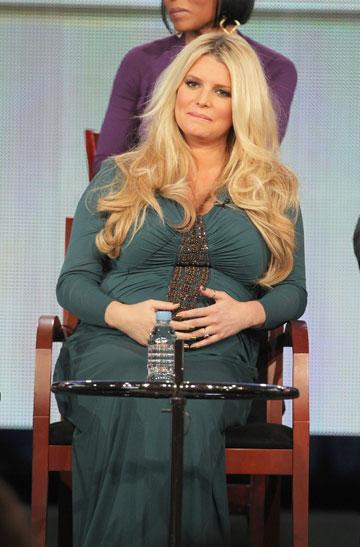 סימפסון בהריון, 2012. חוזרת לטלוויזיה כשופטת בסדרת ריאליטי חדשה (צילום: gettyimages)