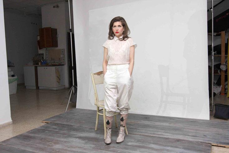 קרן מור בצילומים לרינה צין. ''תמיד התלבשתי ותמיד אהבתי אופנה'' (צילום: ענת מוסברג )