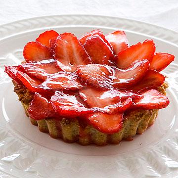 טארט תותים כשר לפסח (צילום: דני לרנר, סגנון: נעמה רן)