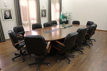 חדר ההנהלה בבניין הישן. עדות היסטורית (צילום: עדו ארז)