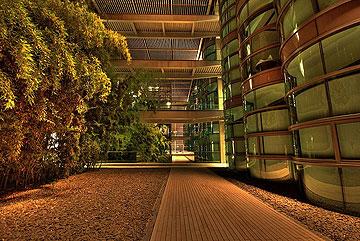 השראה: המרכז למחקרים קליניים בסטנפורד (צילום: cc, kunalmehta)