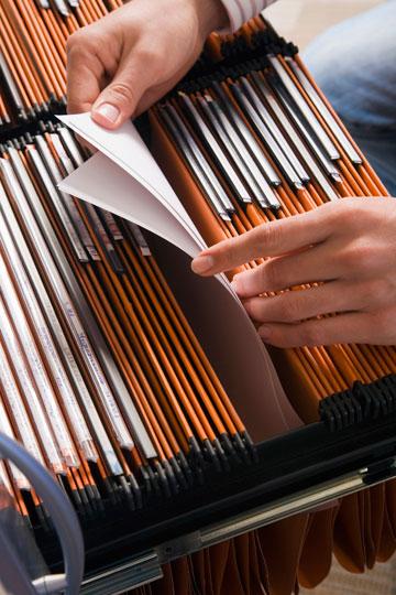 להפריד כל נושא תיוק לקלסר דק וקל לתפעול (צילום: thinkstock)