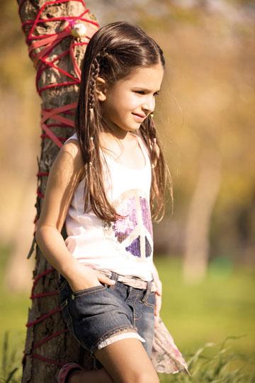 דלתא. מחירי בגדי הילדים באאוטלט: 70-20 שקל (צילום: יריב פיין וגיא כושי )